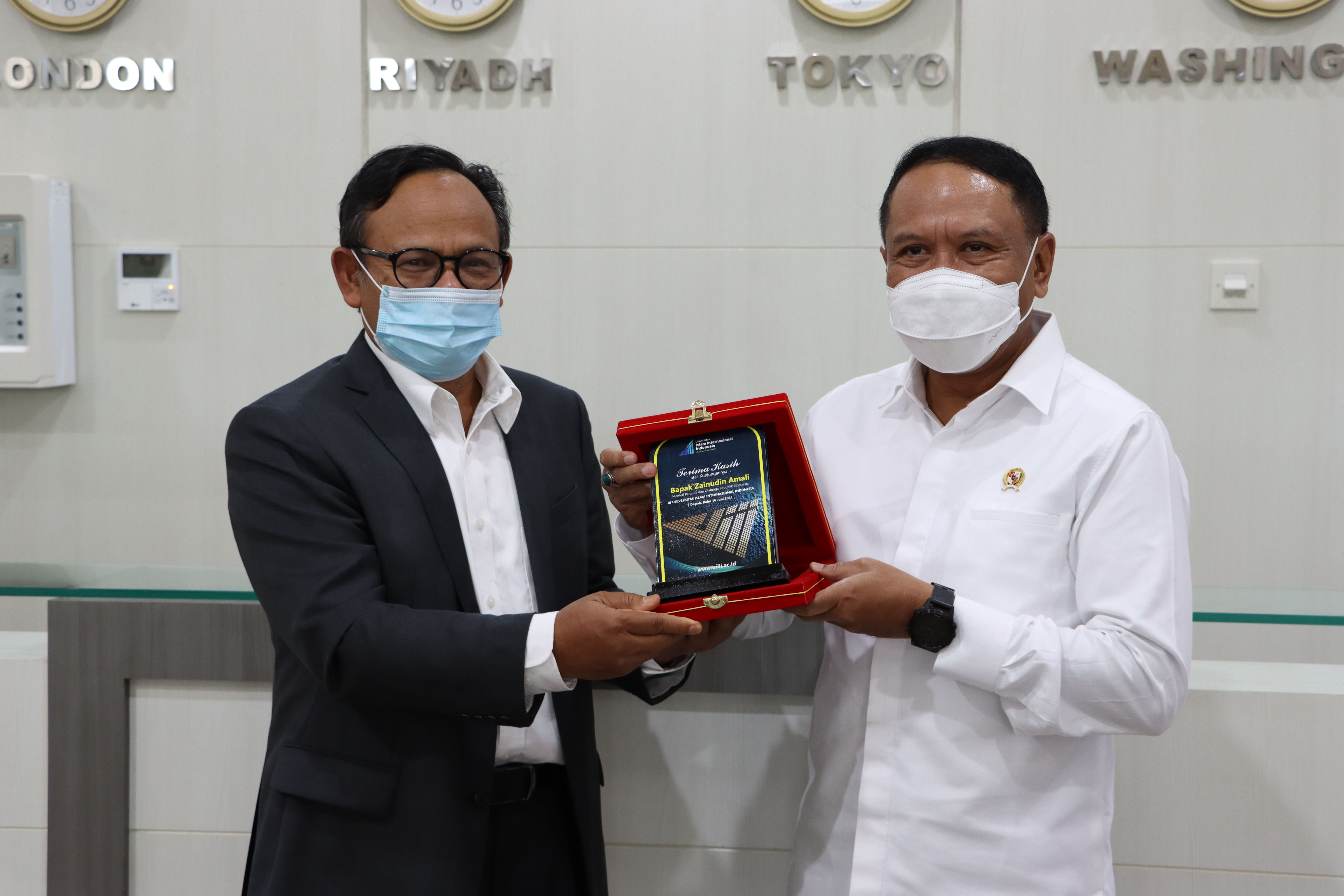 Zainudin Amali, Indonesian Minister of Youth and Sports Visits the UIII Campus